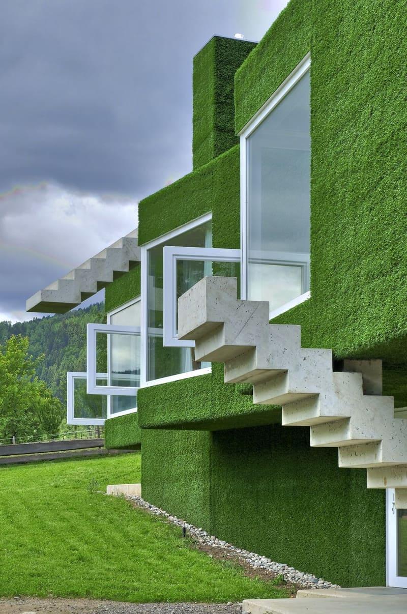 בית מחופה דשא