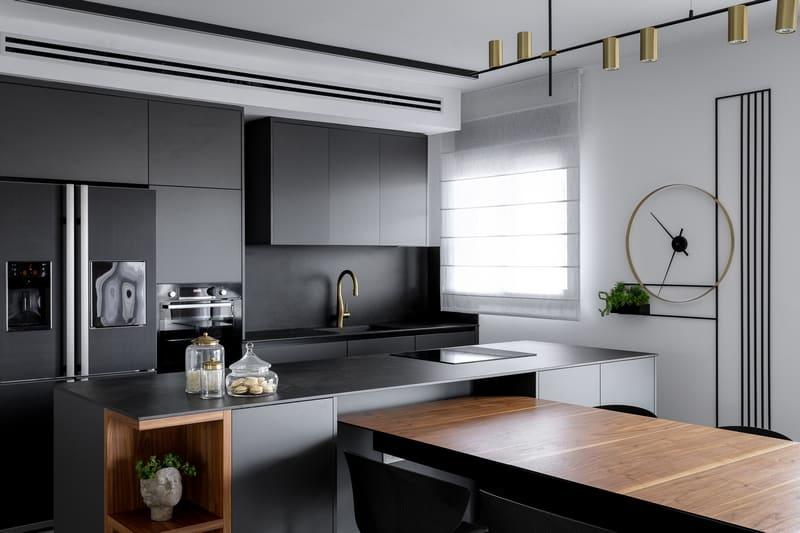 שעון קיר מעוצב במטבח