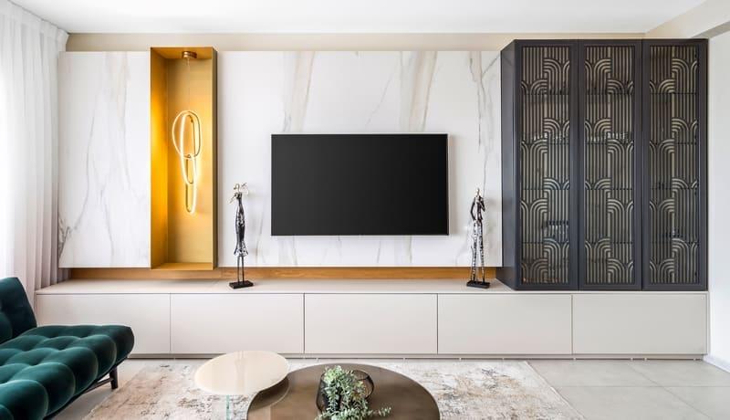 קיר טלוויזיה בסלון