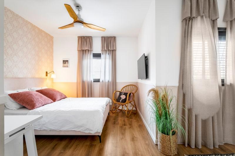 חדר שינה לבת